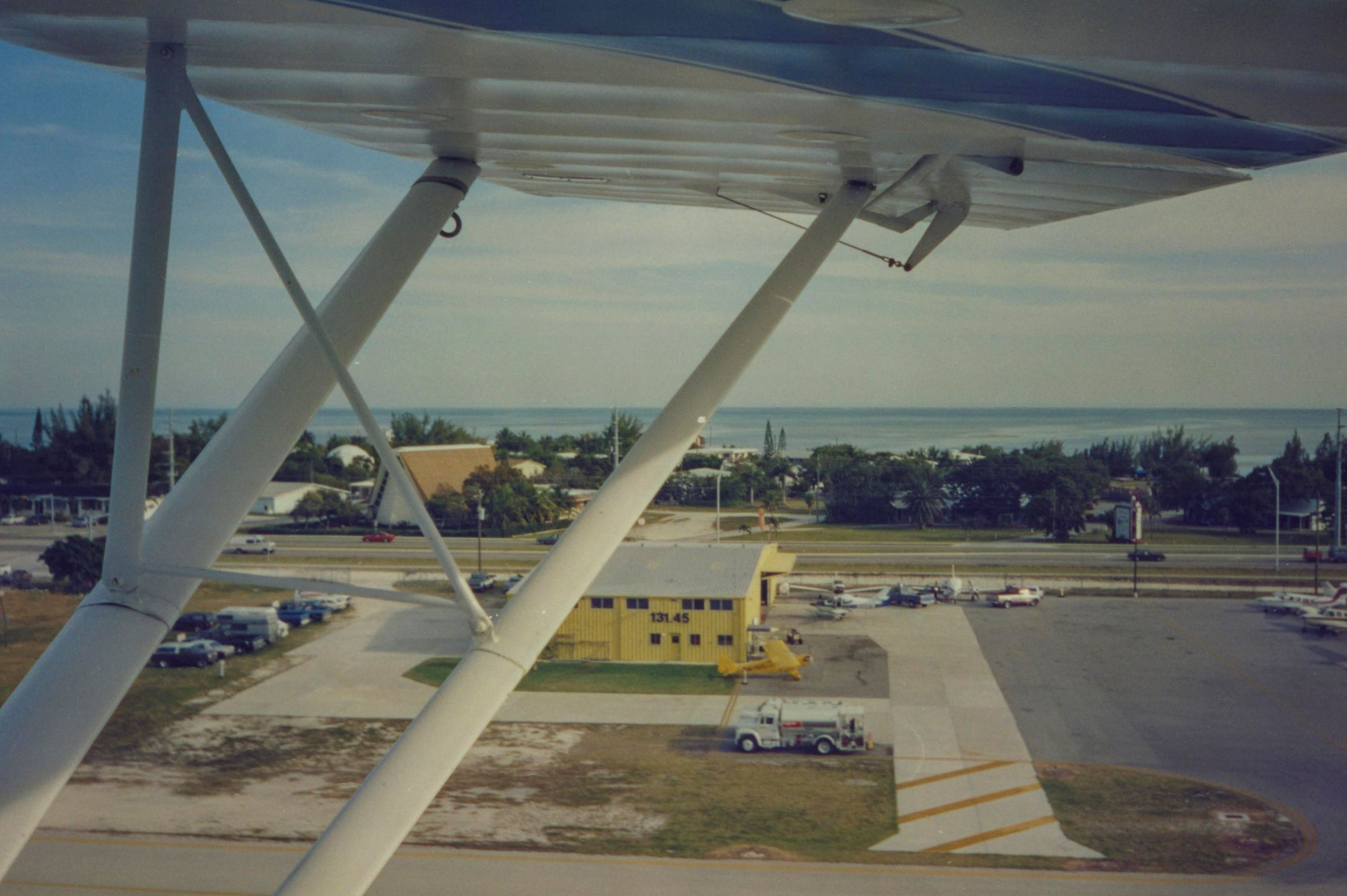 Historical Marathon Airport Photos - LR-62